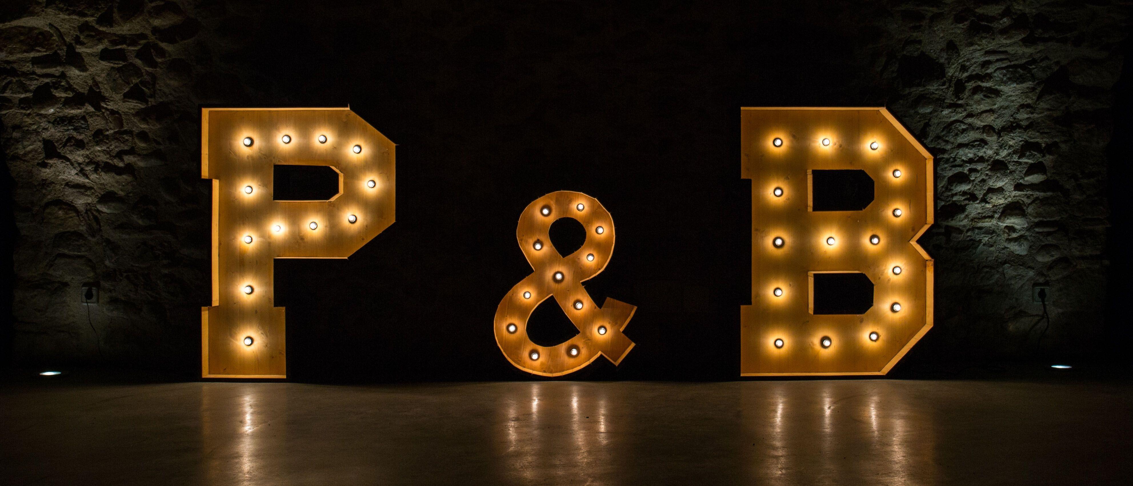 Alquiler de letras luminosas BCNLETTERS