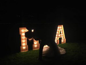 Lloguer de lletres lluminoses pel teu casament - BCN LETTERS