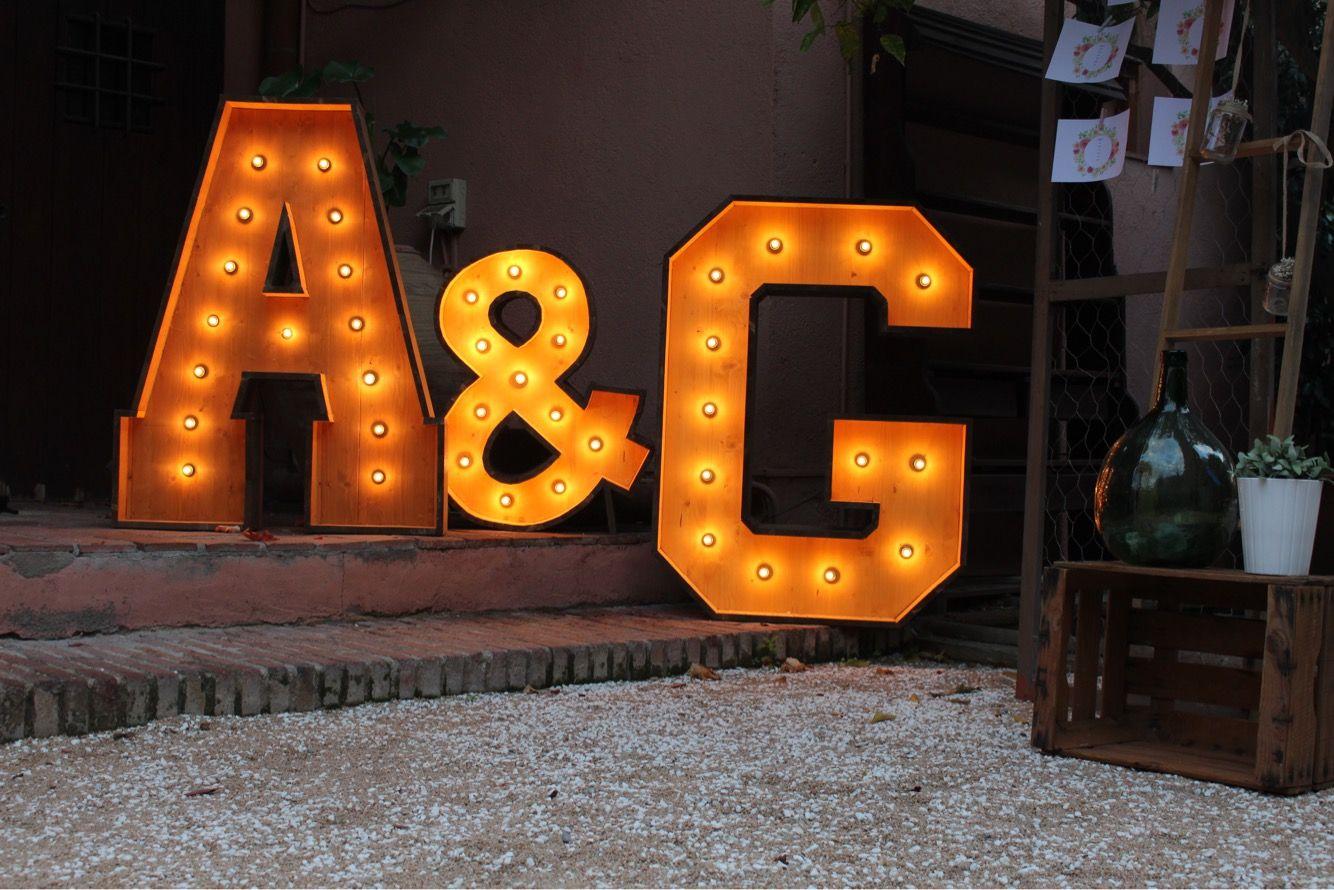 Letras de madera para bodas y eventos en alquiler bcn - Casa letras madera ...