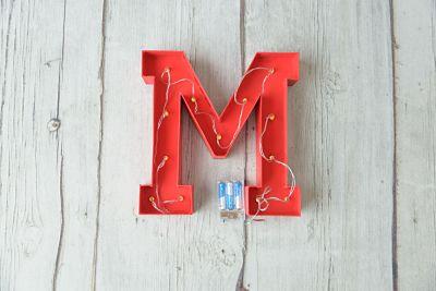 Letra de cartón luminosa de 30cm rojo- BCN LETTERS