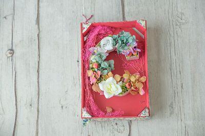 Letras con flores de cartón de 20 cm - Multicolor - BCN LETTERS