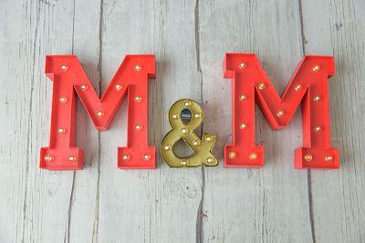 Pack de letras luminosas de cartón para tu boda o tu casa - BCN LETTERS