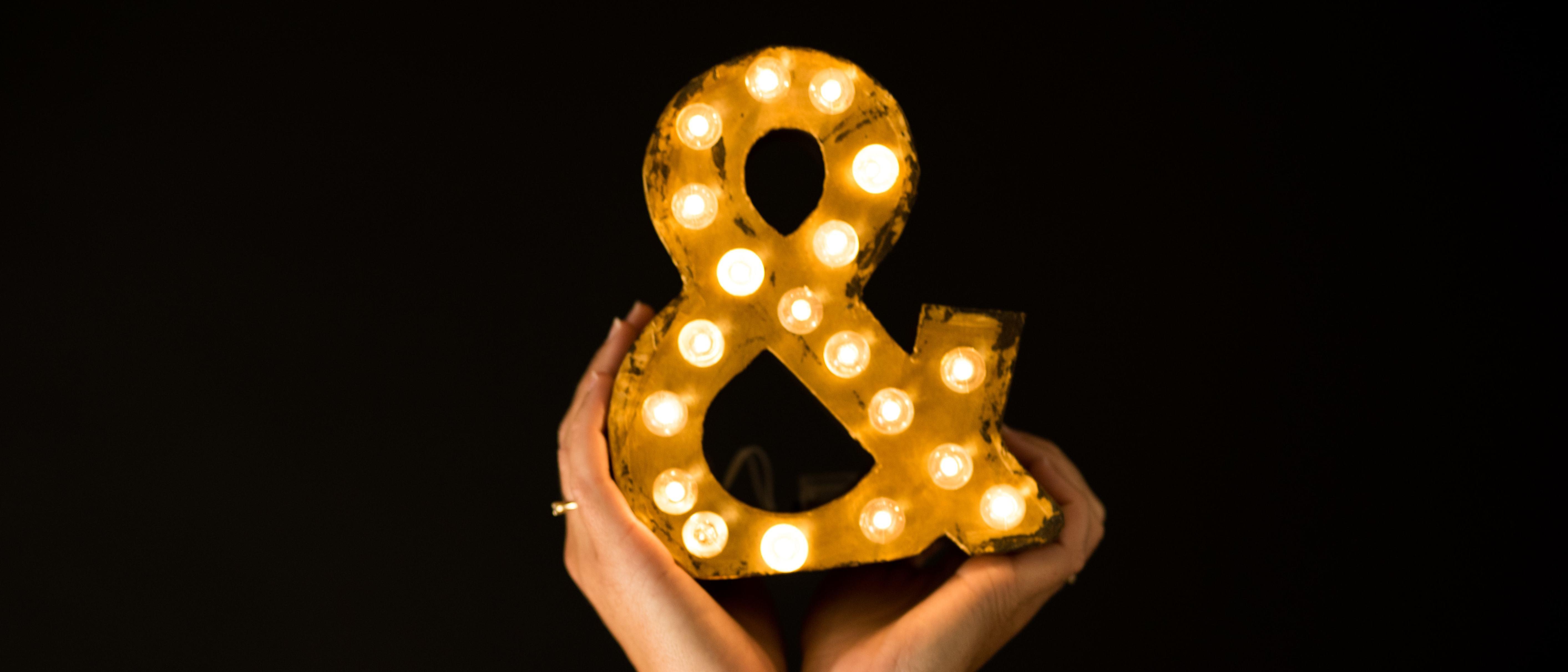 Alquiler y venta de letras luminosas personalizadas para bodas BCN LETTERS