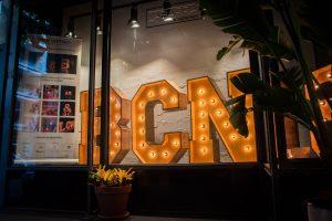 Alquiler de letras luminosas para eventos o para decorar tu negocio de BCN LETTERS