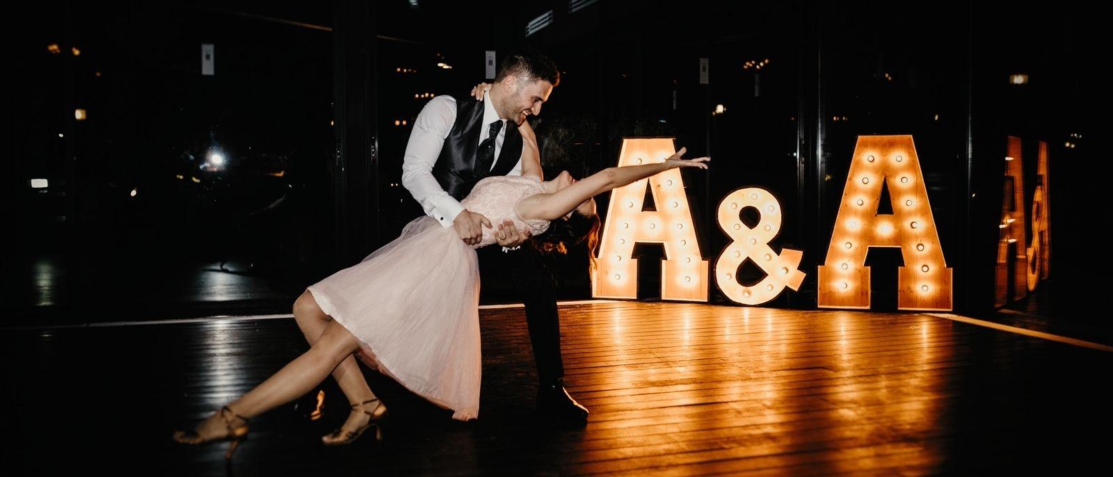 Alquiler de letras con luces para bodas en Mas La Boella - BCN LETTERS