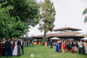 Alquiler de letras luminosas de madera para bodas en Tarragona - BCN LETTERS