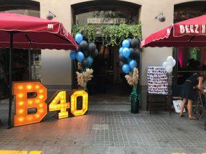 letras y números luminosos de madera gigantes cumpleaños BCN LETTERS - Benzina Barcelona