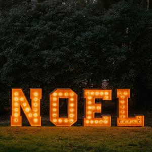 Alquiler de Letras Luminosas Para Navidad - BCNLETTERS