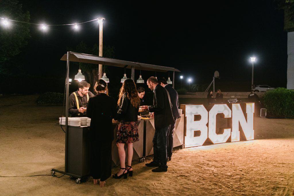 Letras luminosas en alquiler para bodas BCNLETTERS