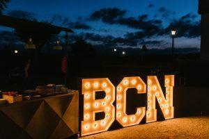 Letras luminosas en alquiler para bodas BCN LETTERS
