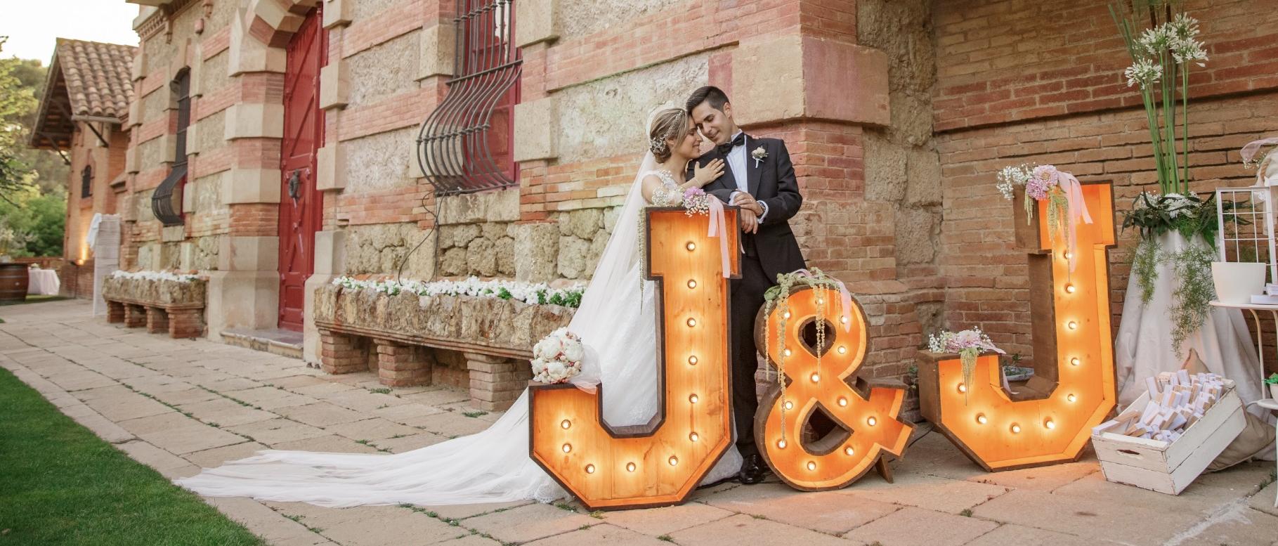 Alquiler letras luminosas para bodas Barcelona BCN LETTERS - Can Magí