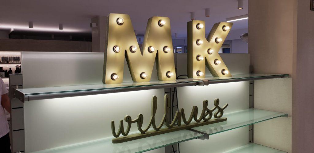 Letras de madera luminosas a medida personalizadas rótulos Barcelona - BCN LETTERS